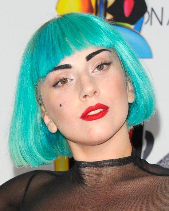 "Reviews >> Álbum ""ARTPOP"" - Página 28 Lady-gaga-green-cfda-awards-2011-1"